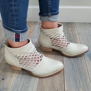 Rebels Cali Leather Cutout Ankle Booties NWOT